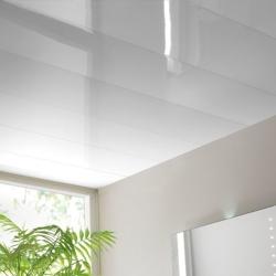 Панель белая глянцевая 2,7 м.